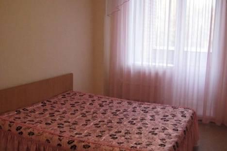Сдается 2-комнатная квартира посуточно в Абакане, Ярыгина улица, д. 34.