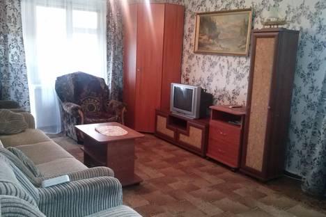Сдается 2-комнатная квартира посуточно в Глазове, ул. Пехтина, 20.