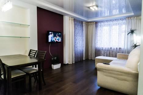 Сдается 2-комнатная квартира посуточнов Кирове, ул. Карла Либкнехта, 13.