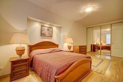 Сдается 2-комнатная квартира посуточнов Санкт-Петербурге, Реки Мойки набережная, 30.