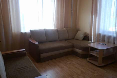 Сдается 2-комнатная квартира посуточно в Нижнем Тагиле, ул. Газетная 80.