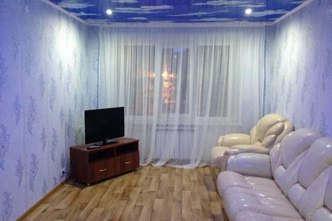Сдается 2-комнатная квартира посуточно в Троицке, Советская,37а.