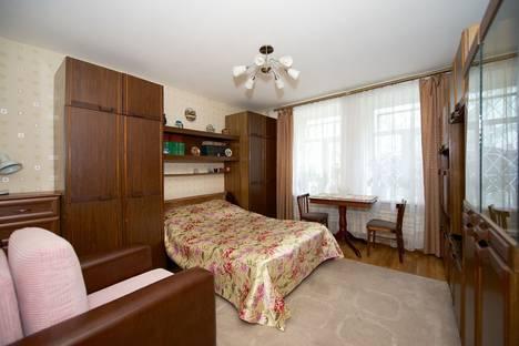 Сдается 2-комнатная квартира посуточнов Санкт-Петербурге, ул. Гороховая, 40.