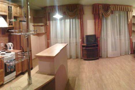 Сдается 2-комнатная квартира посуточнов Кирове, ул. Милицейская, 3.