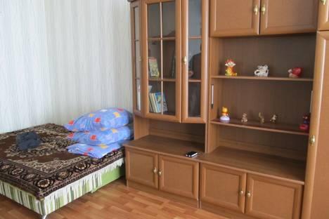Сдается 1-комнатная квартира посуточнов Омске, 70 лет Октября 14.