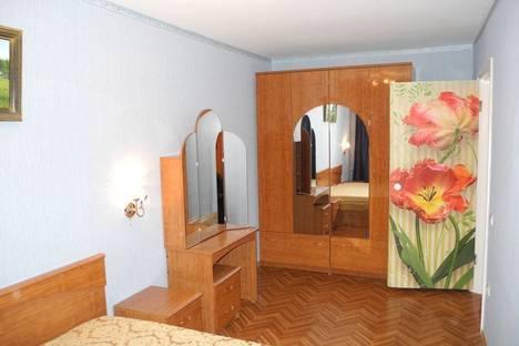 Сдается 2-комнатная квартира посуточнов Омске, Всеволода Иванова 8.
