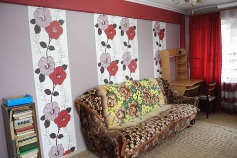 Сдается 2-комнатная квартира посуточнов Омске, Труда 7.