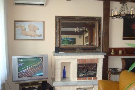 Сдается 2-комнатная квартира посуточнов Омске, Cлободская 25.