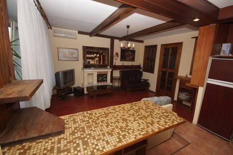 Сдается 2-комнатная квартира посуточнов Омске, 10 лет Октября 31.