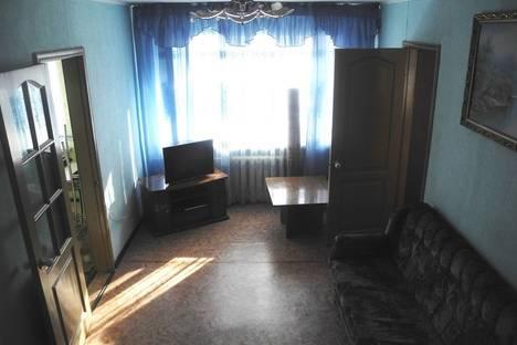 Сдается 3-комнатная квартира посуточнов Омске, Маяковского 85.