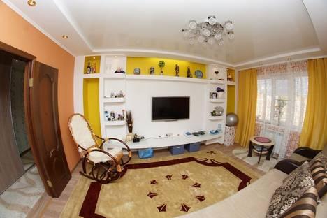 Сдается 3-комнатная квартира посуточнов Омске, Крыловская 23.