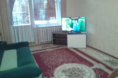Сдается 1-комнатная квартира посуточно в Уральске, 6 микрорайон 66.