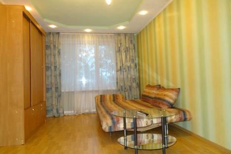 Сдается 1-комнатная квартира посуточно в Кургане, ул.Пролетарская 38.