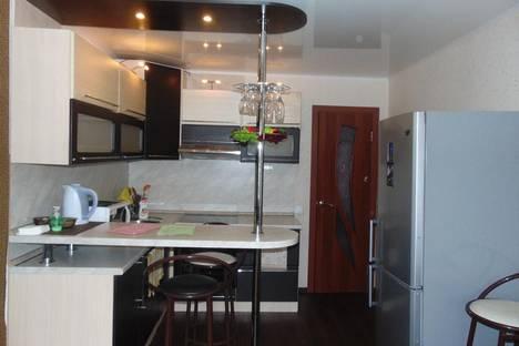 Сдается 2-комнатная квартира посуточно в Барнауле, пр-т Ленина, 138.