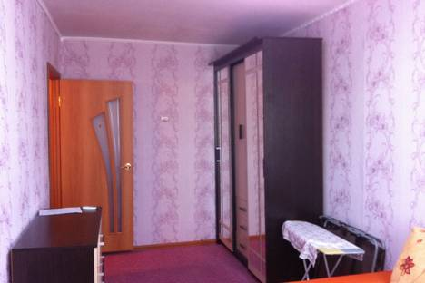 Сдается 2-комнатная квартира посуточно в Тулуне, ул. Горького, 22.
