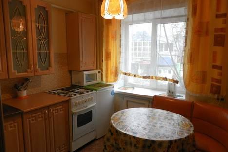 Сдается 2-комнатная квартира посуточно в Чите, ул. Чайковского, 35.