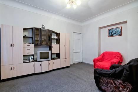 Сдается 2-комнатная квартира посуточнов Санкт-Петербурге, переулок Мошков, 5.