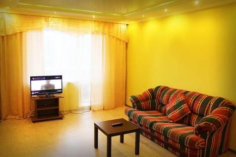 Сдается 2-комнатная квартира посуточно в Бийске, ул. Стахановская, 5.