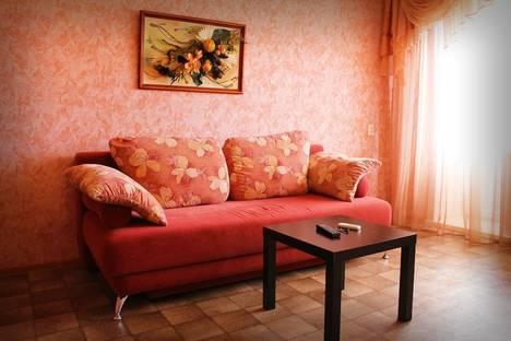Сдается 2-комнатная квартира посуточно в Бийске, ул. Красноармейская, 45.