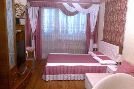 Сдается 1-комнатная квартира посуточнов Каче, проспект Октябрьской Революции 67.