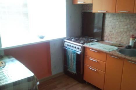 Сдается 1-комнатная квартира посуточно в Ишиме, ул. Шаронова, 5.