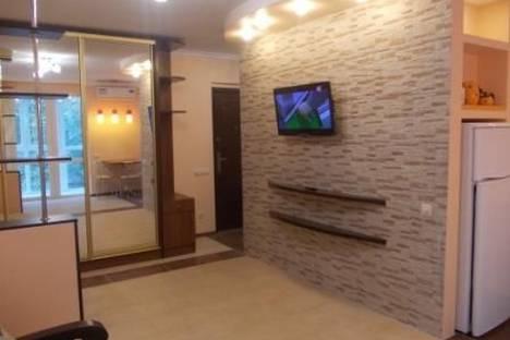 Сдается 1-комнатная квартира посуточно в Гурзуфе, Соловьёва,4.