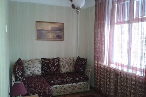 Сдается 2-комнатная квартира посуточнов Алуште, Ленина, 38.