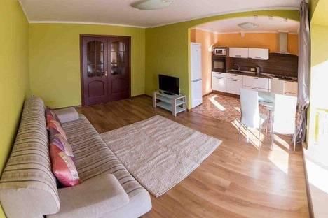 Сдается 2-комнатная квартира посуточно в Кургане, Володарского 30.