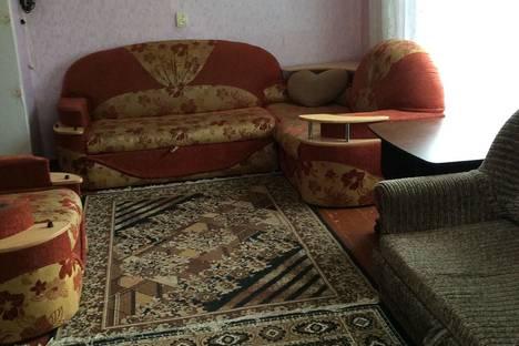 Сдается 1-комнатная квартира посуточнов Первоуральске, Емлина, 16.
