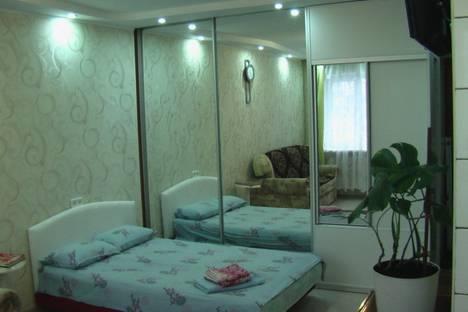 Сдается 1-комнатная квартира посуточно в Ильичёвске, парковая 8а.