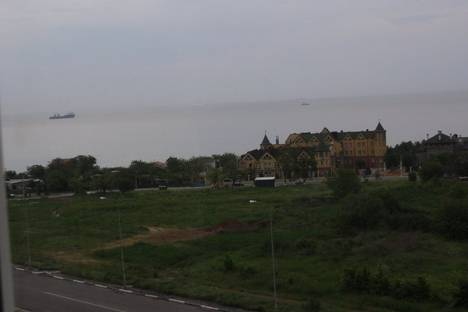 Сдается 2-комнатная квартира посуточно в Ильичёвске, парковая 46.