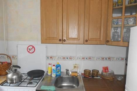 Сдается 2-комнатная квартира посуточно в Ильичёвске, парковая 4.