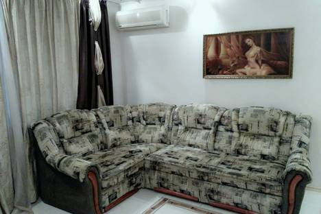 Сдается 1-комнатная квартира посуточно в Ильичёвске, вул.Олександрійська, 20.