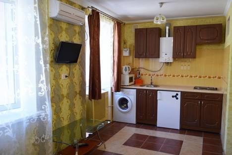Сдается 1-комнатная квартира посуточно в Херсоне, Ушакова 4а.