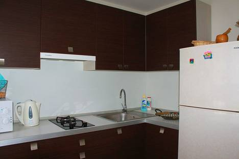 Сдается 2-комнатная квартира посуточно в Ильичёвске, ул. Ленина 13а.
