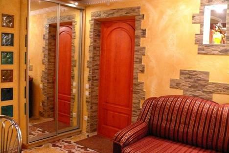 Сдается 1-комнатная квартира посуточно в Херсоне, ул. 295-й Стрелковой Дивизии, 25.