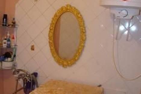 Сдается 2-комнатная квартира посуточно в Ильичёвске, Данченко,11.