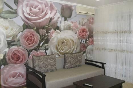Сдается 1-комнатная квартира посуточнов Ильичёвске, Данченко 1.
