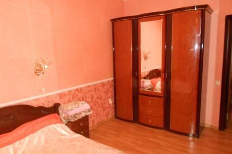 Сдается 2-комнатная квартира посуточно в Ильичёвске, парковая 44.