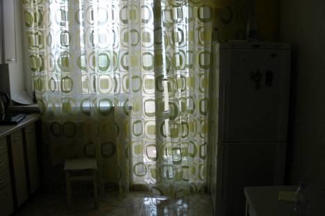 Сдается 1-комнатная квартира посуточно в Ильичёвске, ул парковая 48.