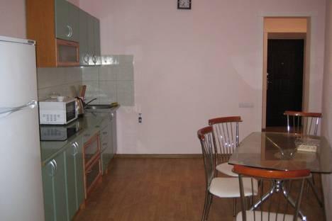 Сдается 1-комнатная квартира посуточно в Ильичёвске, переулок Хантадзе 4.