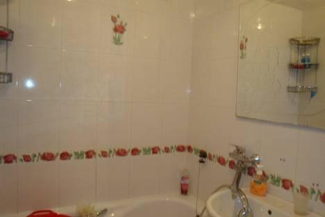 Сдается 2-комнатная квартира посуточно в Ильичёвске, Героев Сталинграда 9.