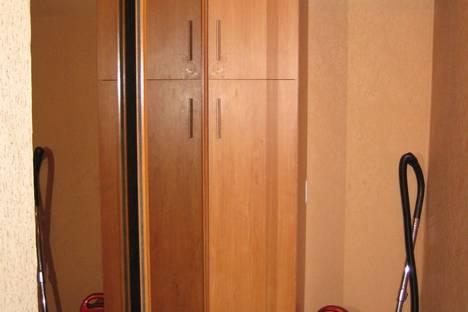 Сдается 2-комнатная квартира посуточно в Ильичёвске, Парковая 6.