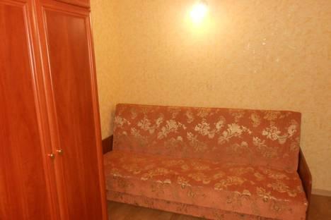 Сдается 1-комнатная квартира посуточно в Ильичёвске, александрийская 5.