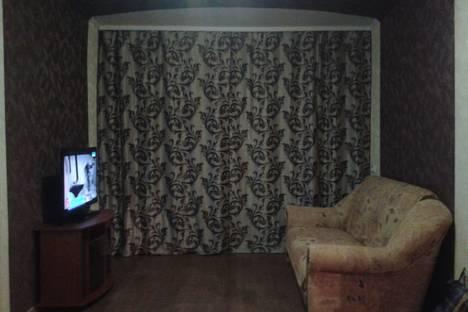 Сдается 2-комнатная квартира посуточно в Херсоне, проспект Ушакова, 87.
