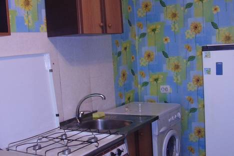 Сдается 3-комнатная квартира посуточно в Ильичёвске, 1 Мая,8А.