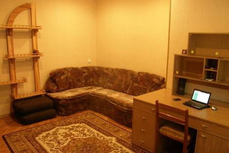 Сдается 2-комнатная квартира посуточно в Херсоне, Проспект Ушакова, 69.