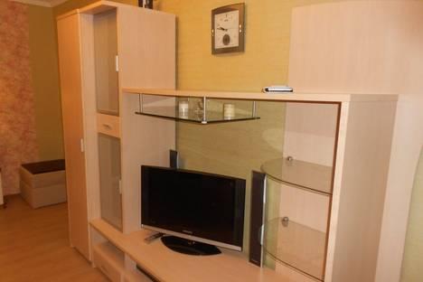 Сдается 2-комнатная квартира посуточнов Ильичёвске, парковая 14а.