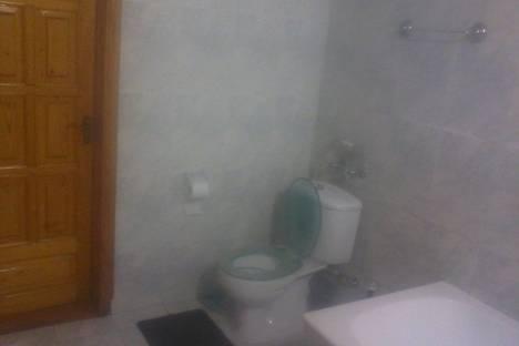 Сдается 5-комнатная квартира посуточно в Ильичёвске, Героев Сталинграда, дом 8.