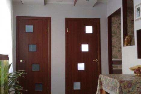 Сдается 2-комнатная квартира посуточно в Ильичёвске, ДАНЧЕНКО 11.
